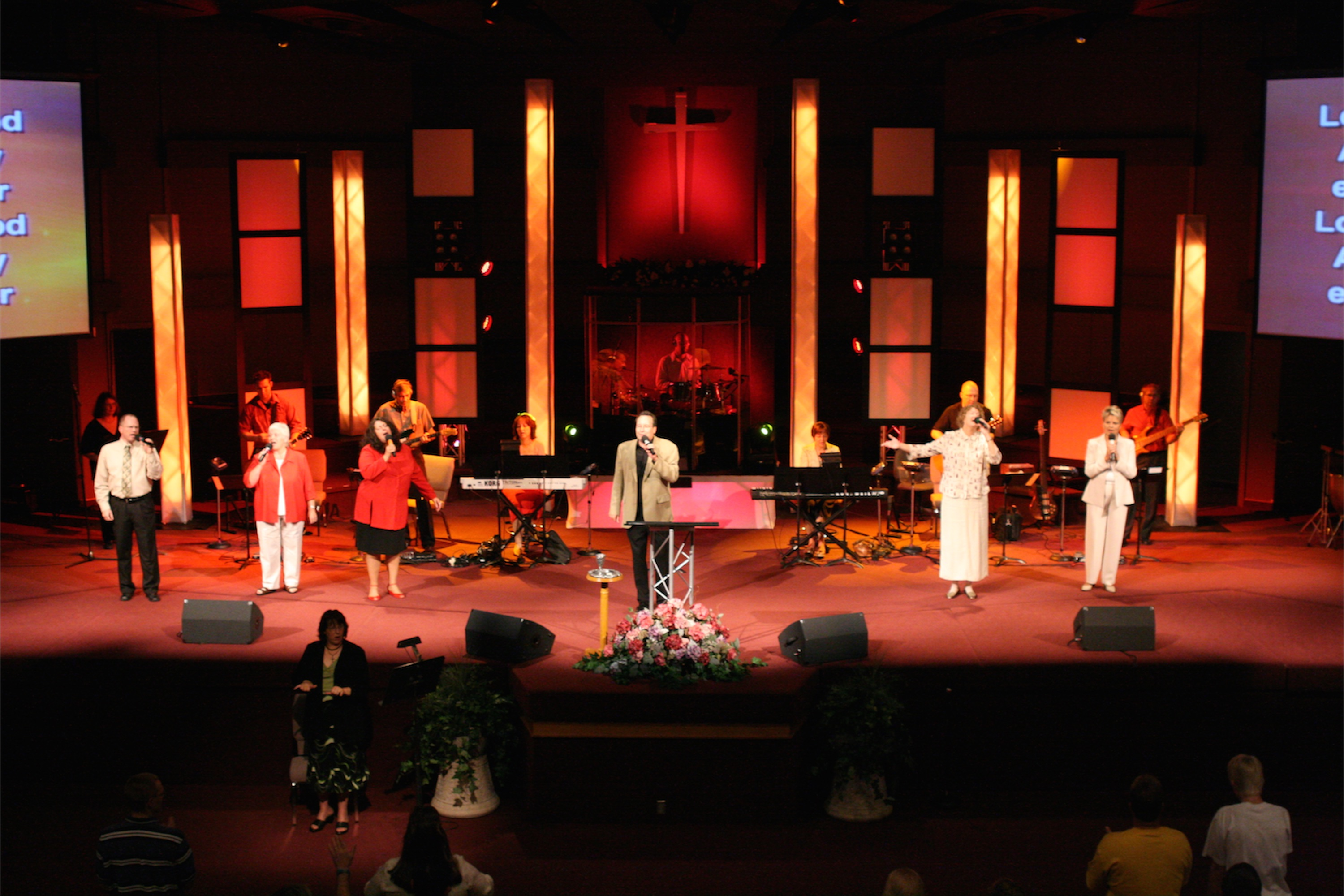 Truss And Coroplast Church Stage Design Ideas Scenic Sets And Stage Design Ideas From Churches Around The Globe