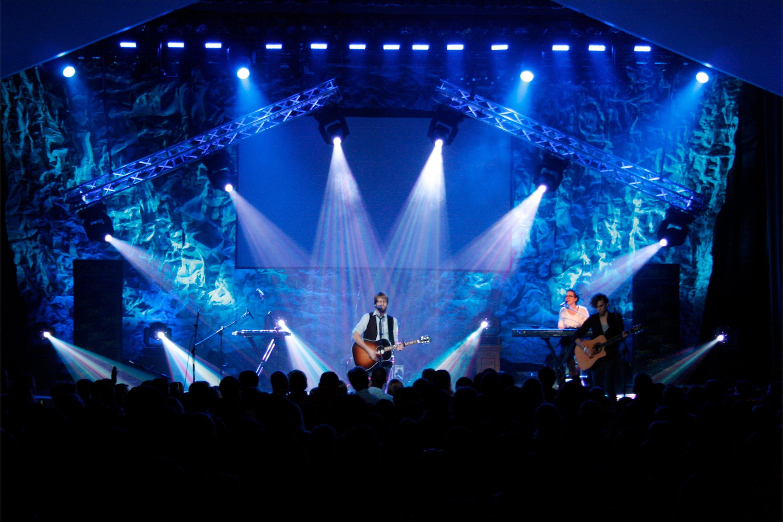 Don T Crumple Me Church Stage Design Ideas Scenic Sets And Stage Design Ideas From Churches Around The Globe