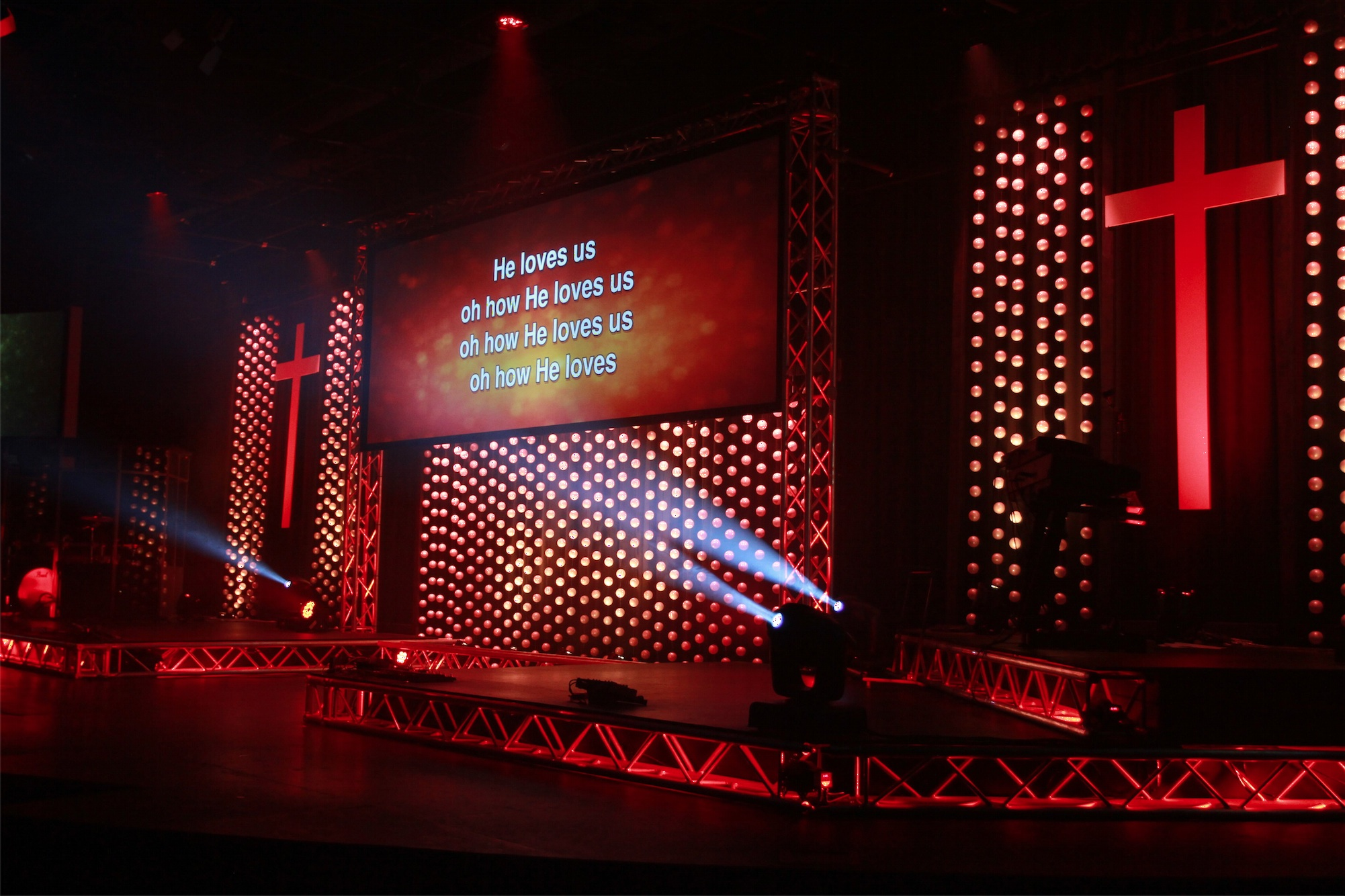 Throwback We Ll Have A Ball Church Stage Design Ideas Scenic Sets And Stage Design Ideas From Churches Around The Globe