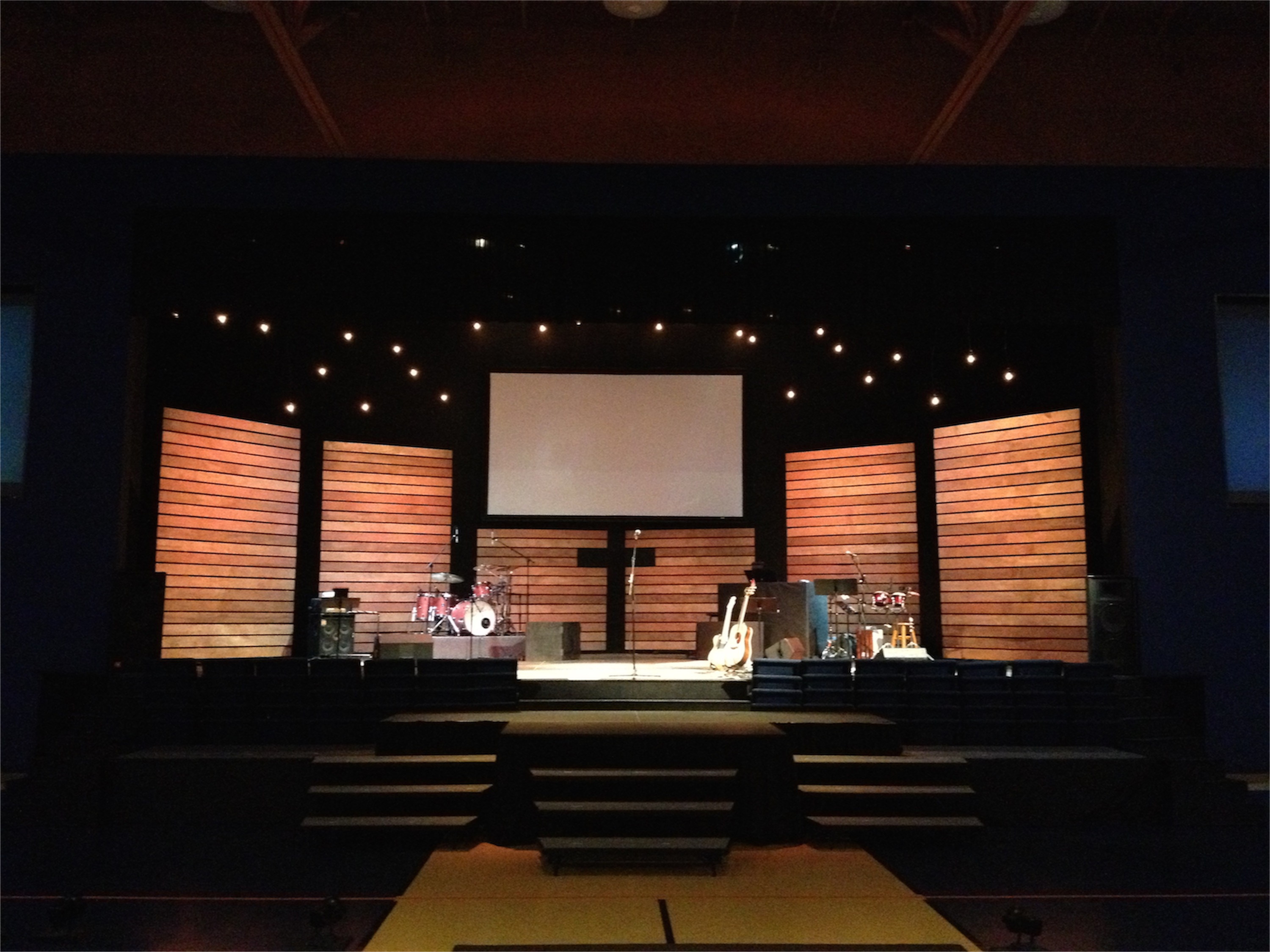 Thin Lines Church Stage Design Ideas Scenic Sets And Stage Design Ideas From Churches Around The Globe