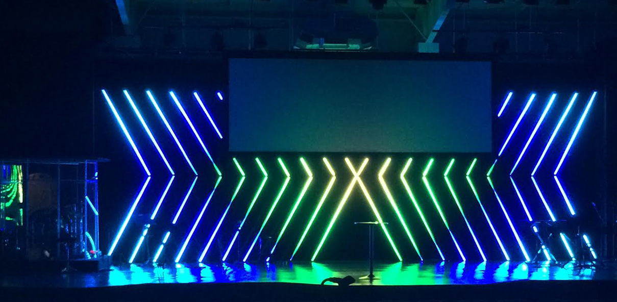 Pixeled Arrows Church Stage Design Ideas Scenic Sets And Stage Design Ideas From Churches