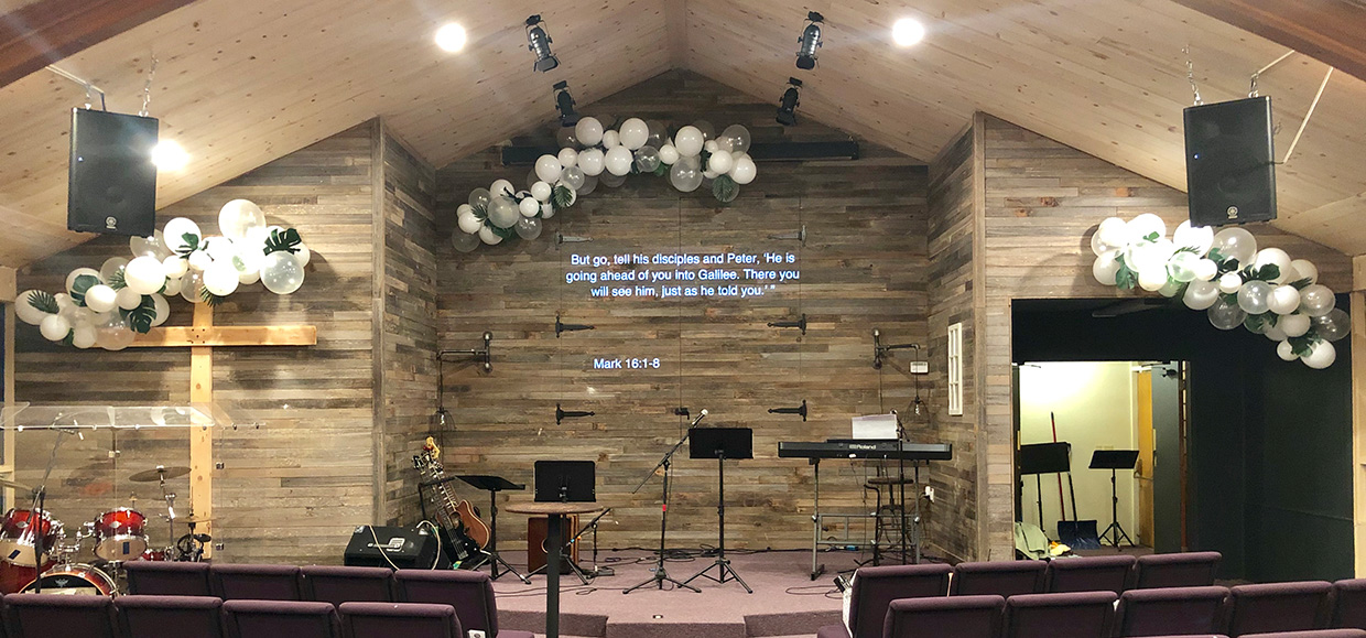 Clustered Balloons Church Stage Design Ideas